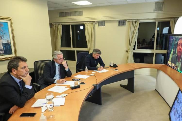 Desde la Quinta de Olivos, el presidente Alberto Fernández, Sergio Massa y Máximo Kichner compartieron dos videoconferencias con los lideres parlamentarios del oficialismo y de la oposición.