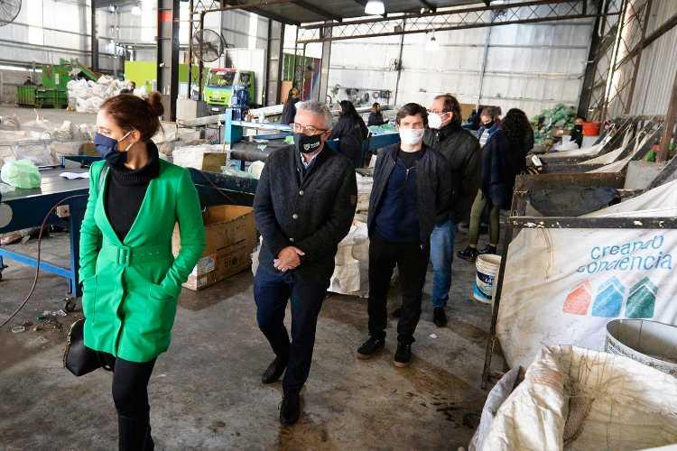 Se inauguró en Benavidez el Polo Cooperativo para recicladores de residuos urbanos - Creando Conciencia