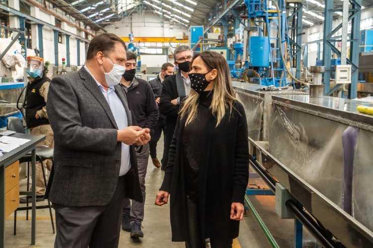 Malena Galmarini recorrió las instalaciones del Grupo DEMA