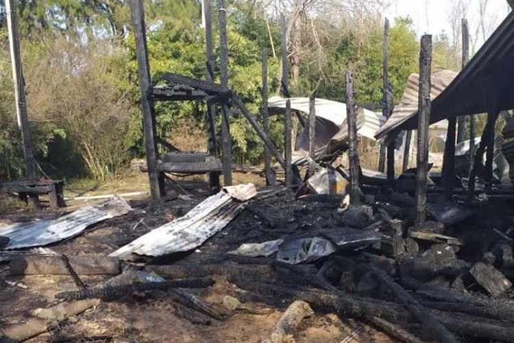 Explosión e incendio en una casa del Delta de Tigre