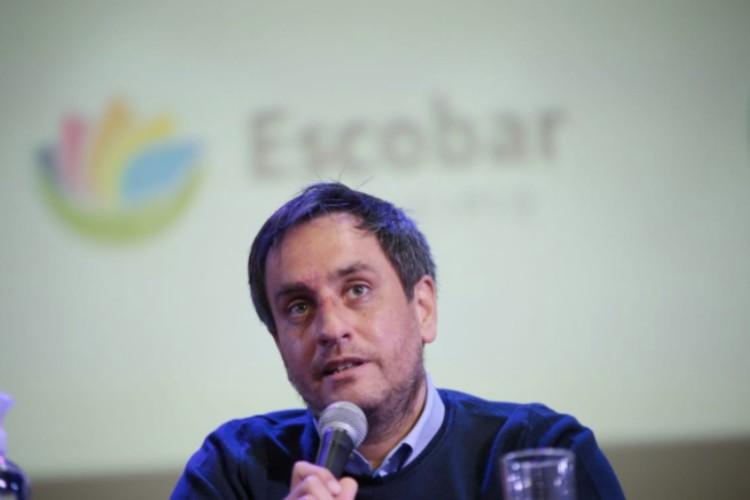 Cabandié y Sujarchuk firmaron un convenio para impulsar políticas ambientales en Escobar