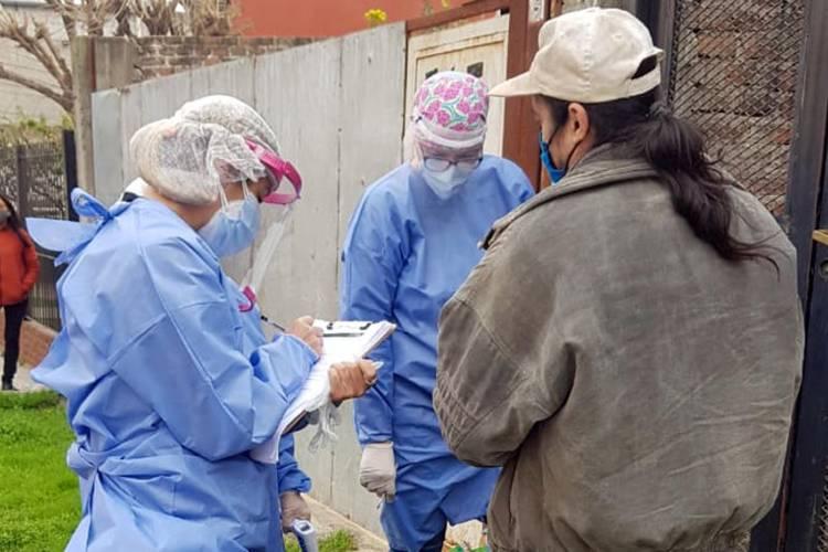 Nuevo récord de casos por coronavirus en el país: son 17.096 y acumulan 949.063 los contagiados