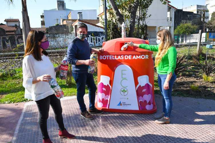 """San Fernando instaló la primera campana de """"Botellas de Amor"""""""
