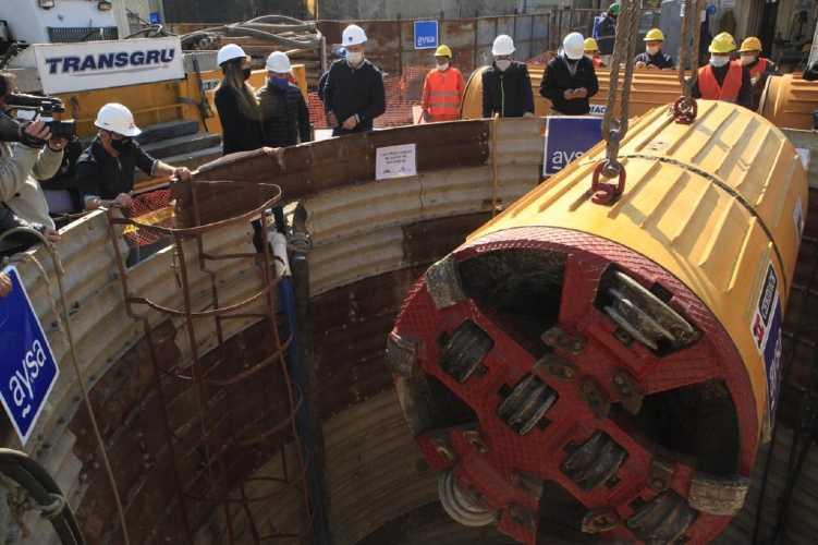 Con una Tunelera de gran porte AYSA avanza con una obra cloacal en Lomas de Zamora