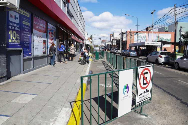 Vicente López amplió las veredas del centro comercial de Carapachay
