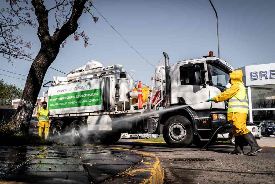 Vicente López: Intensifican operativos de desinfección en barrios y vía pública