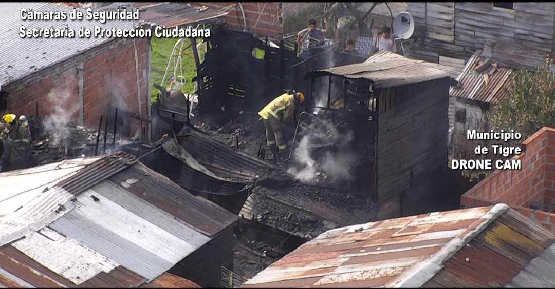 Controlan peligroso incendio de un depósito en Rincón de Milberg