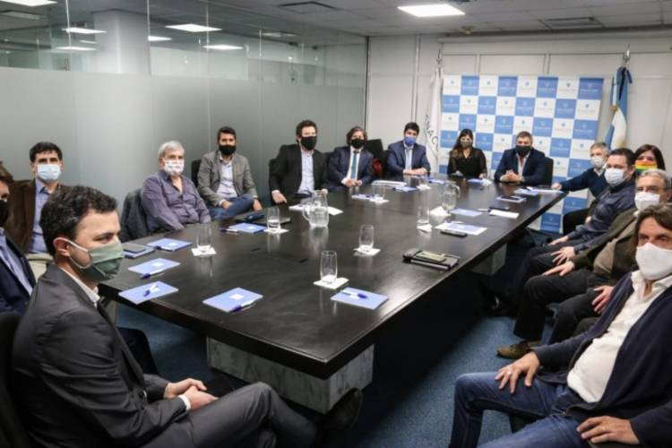El Enacom se reunió con pymes y cooperativas tecnológicas por reglamentación del DNU