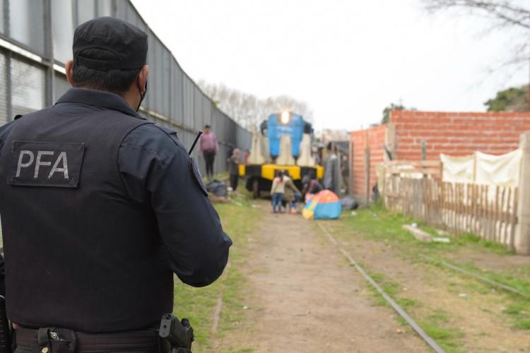 Lleva 12 días el paro en la línea Mitre por una toma de terrenos en la estación Victoria