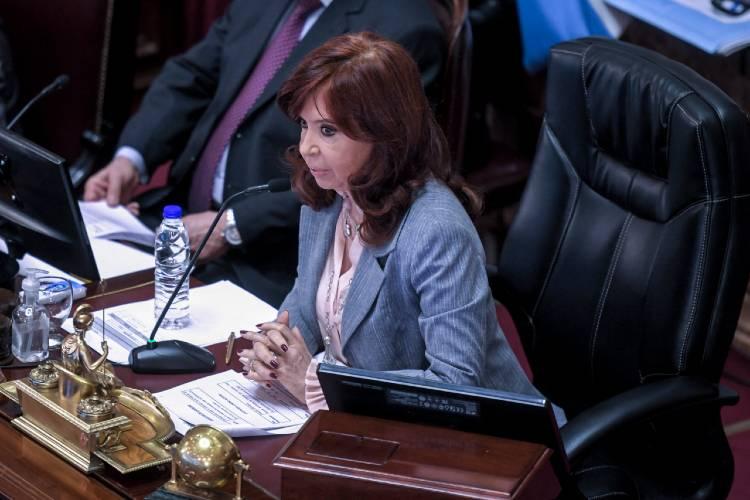 La Vicepresidenta Cristina Fernández difundió una carta pública con reflexiones sobre el Gobierno y las PASO