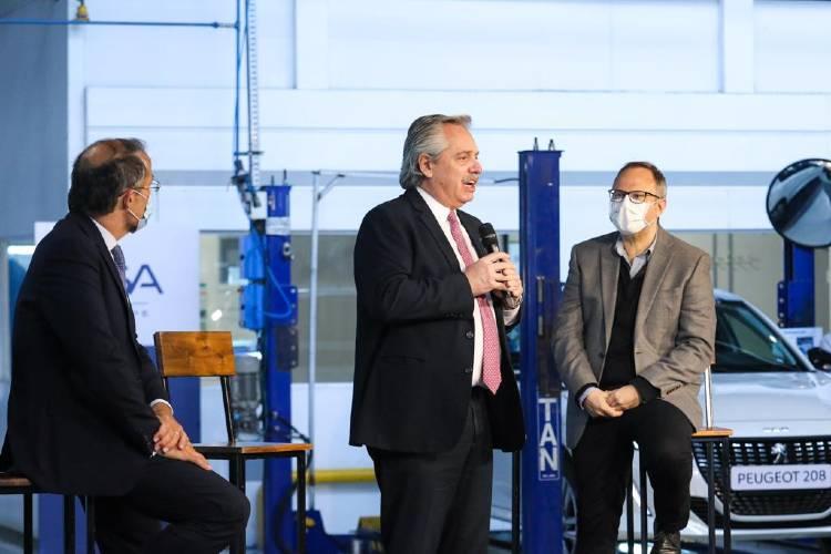 Alberto Fernández participó del lanzamiento del nuevo Peugeot 208