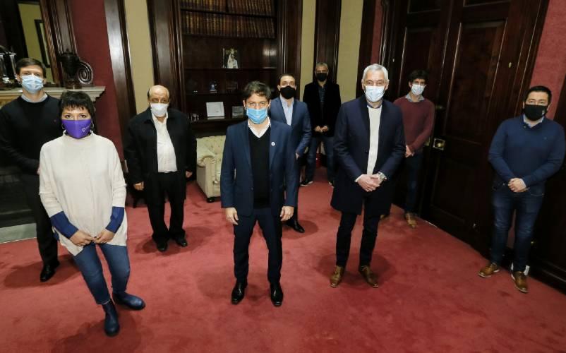 Kicillof se reunió con intendentes para abordar las usurpaciones ilegales de terrenos