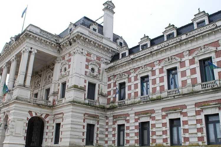 Tenedores de deuda presentaron demanda en Nueva York contra la provincia de Buenos Aires