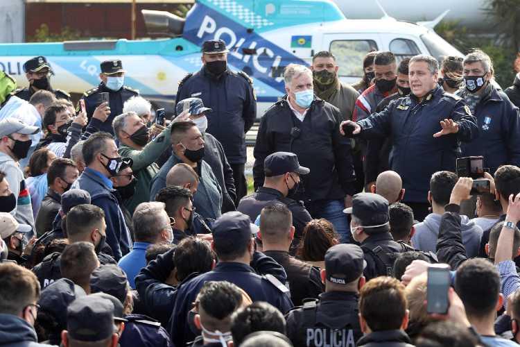 La policía bonaerense continúa con las protestas pese al anuncio de Berni
