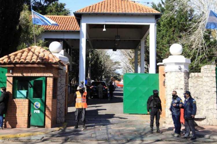 Sobreseyeron al hombre que arrojó una bomba molotov en la Quinta de Olivos
