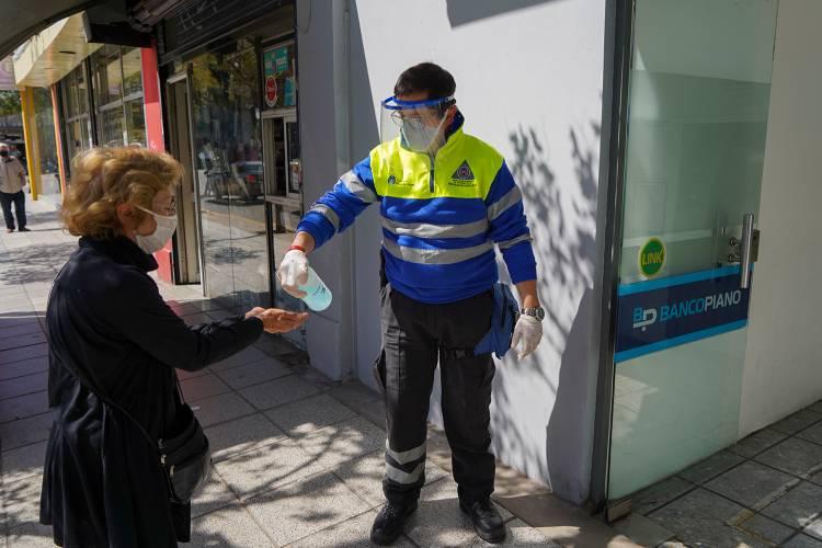 Continúa la asistencia a vecinos en entidades bancarias de Vicente López
