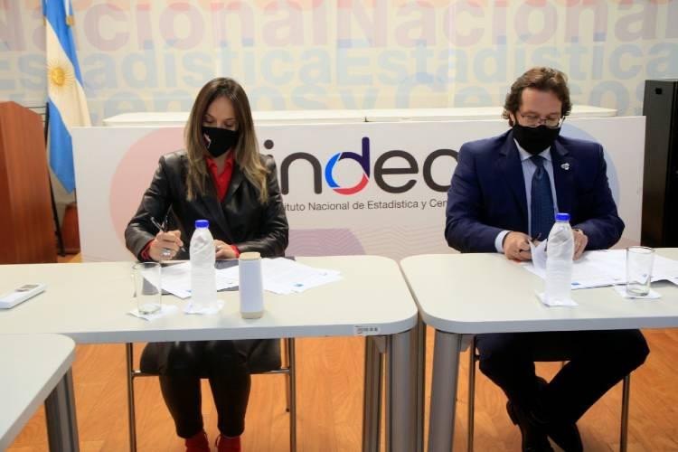 Malena Galmarini firmó un convenio con Marco Lavagna