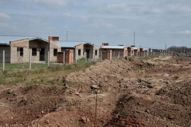 Avanza el plan de viviendas en Escobar con obras en el barrio Amancay