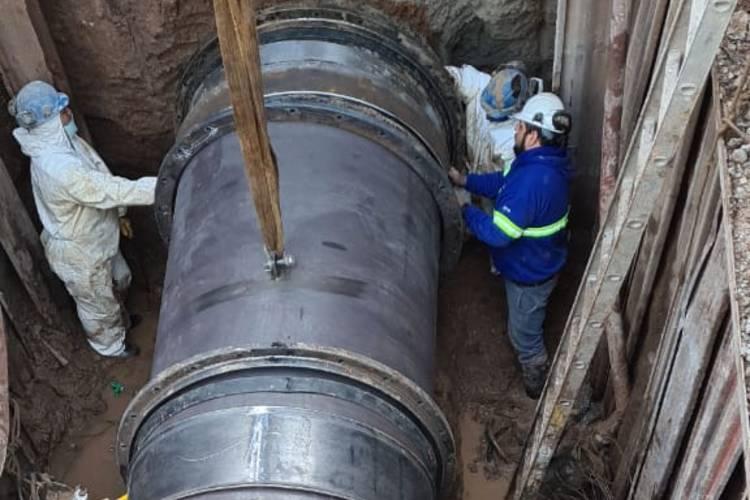 AySA finalizó la reparación de una mega cañería de agua que afecto a varios distritos de la zona norte