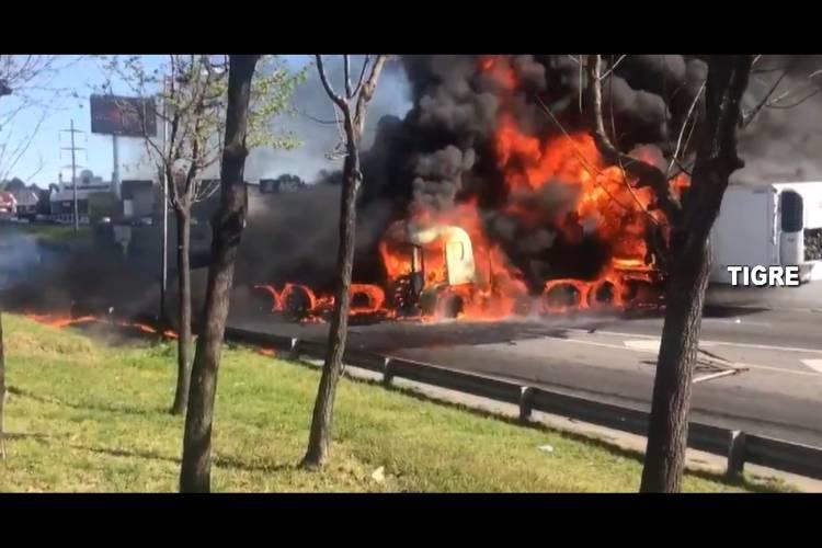 Video: Así fue el Triple choque y explosión en Panamericana