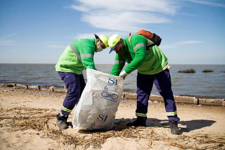 Tras el día de la primavera en San Isidro despliegan un amplio operativo de limpieza