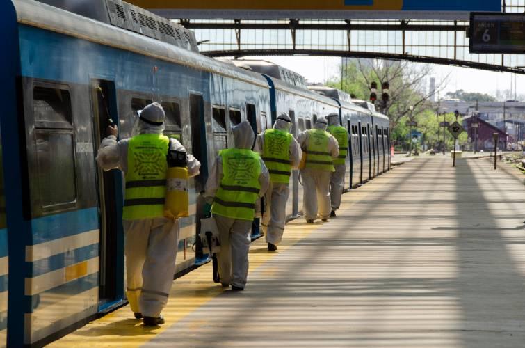 Aplican una nueva fórmula sanitizante en trenes del ferrocarril Mitre para prevenir el coronavirus