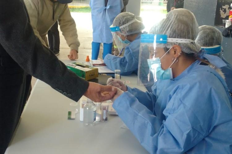 La Provincia comenzó a realizar un estudio de seroprevalencia de COVID-19 en 40 municipios del AMBA