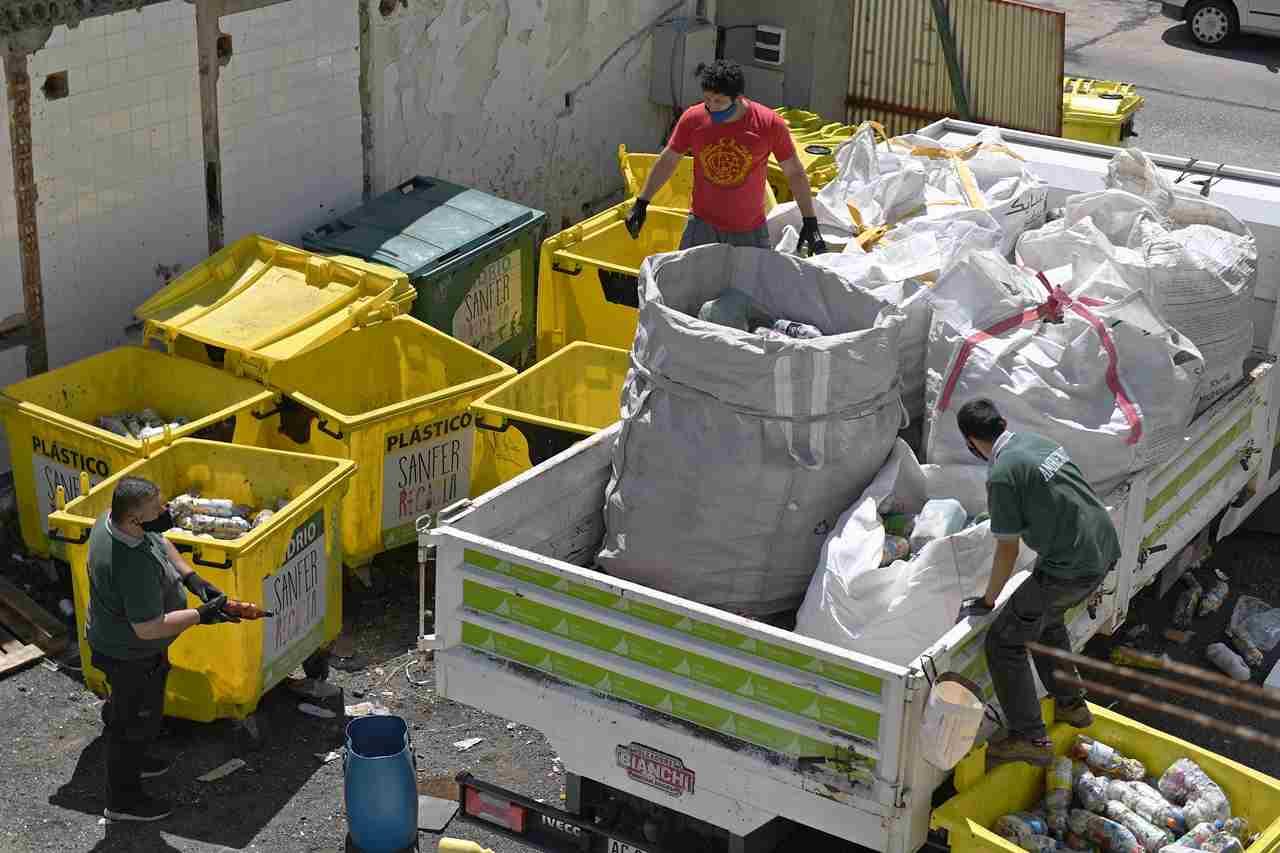 San Fernando ya recicló 8 mil kilos de Botellas de Amor con plásticos de un solo uso