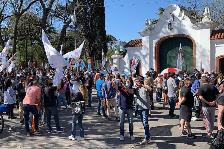 En la Quinta de Olivos hubo manifestantes a favor y en contra del Gobierno