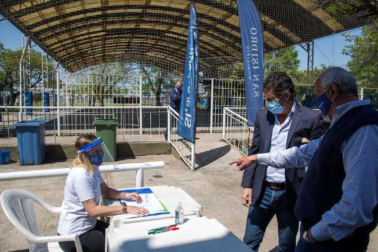 San Isidro reabrió sus campos municipales de deportes