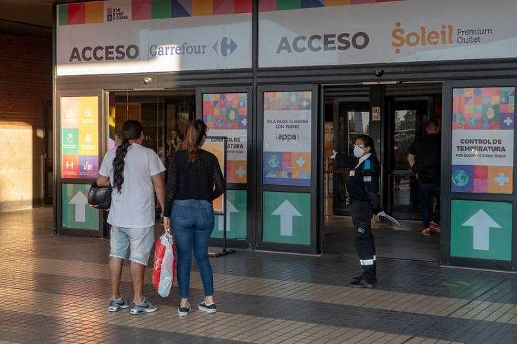 Habilitan shoppings en San Isidro con sistema de control de visitantes