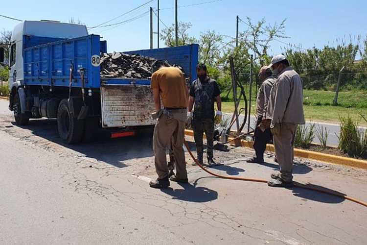 San Isidro: trabajos de mantenimiento en la calle Roque S. Peña