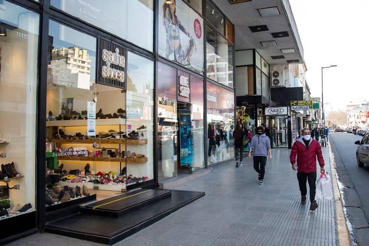 En San isidro se podrá probar indumentaria y calzado dentro de los locales de ropa