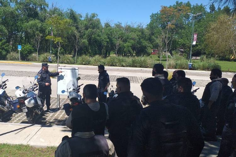 Capacitan al personal del patrullaje municipal de San Isidro
