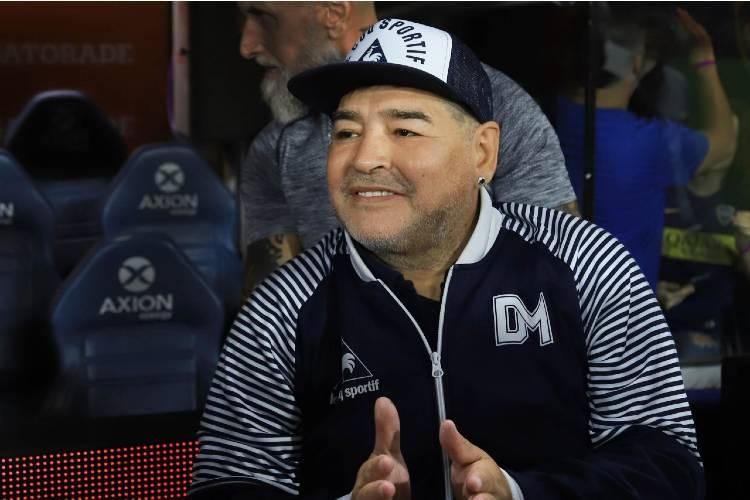 Diego Armando Maradona murió tras sufrir un paro cardíaco