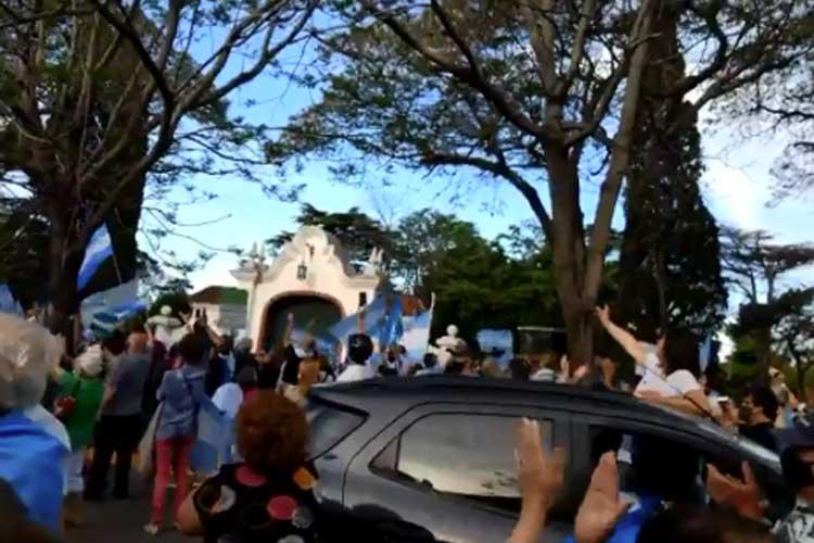 Protesta opositora en la quinta de Olivos y otros puntos del país