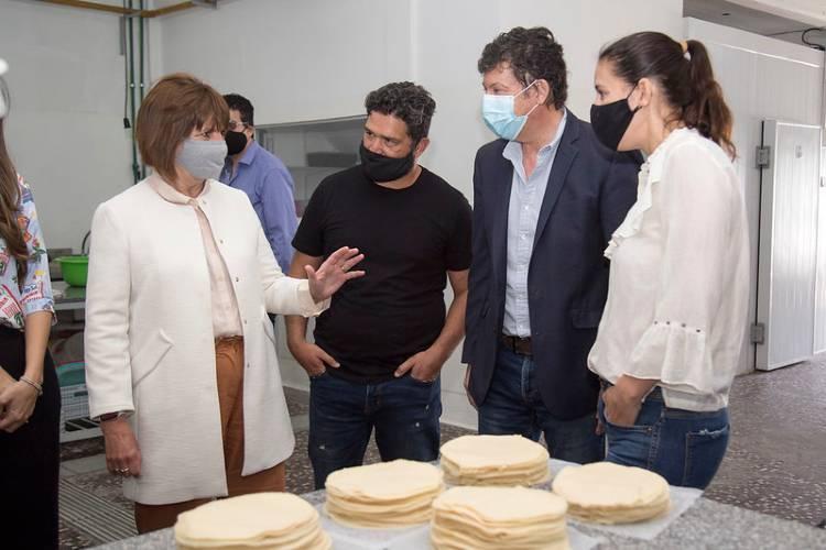Patricia Bullrich y Gustavo Posse visitaron una fábrica de San Isidro
