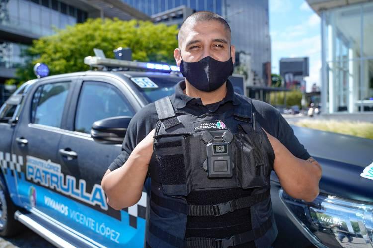 En primera persona: Agentes patrullan Vicente López con cámaras portátiles