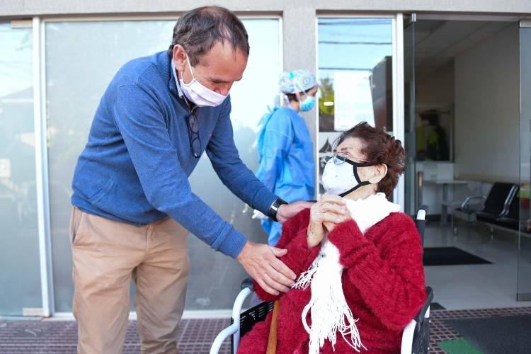 Una sanfernandina de 99 años fue dada de alta de coronavirus en el Hospital Municipal