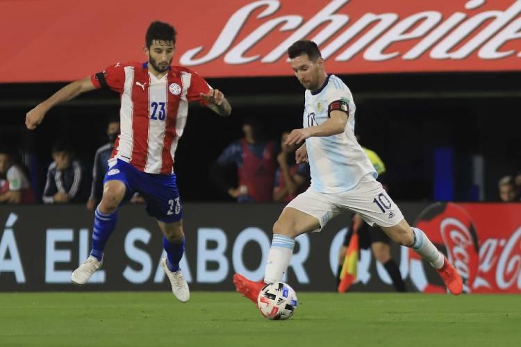 Argentina empató con Paraguay un partido complicado y sigue invicto en las eliminatorias