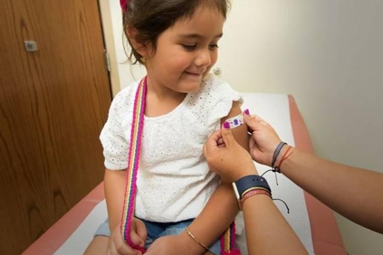 Vicente López vacuna gratuitamente a chicos en edad escolar