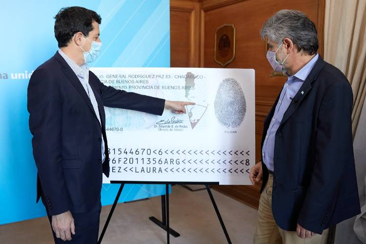 Presentaron el nuevo DNI que incluye una actualización del mapa bicontinental argentino
