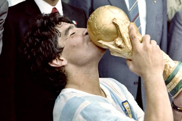 """AFA y la Selección Argentina despidieron a Maradona: """"serás eterno en cada corazón del planeta fútbol"""""""