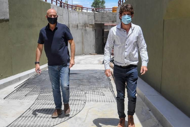 Andreotti supervisó los últimos detalles del Túnel Diego A. Maradona y los murales que lo homenajean