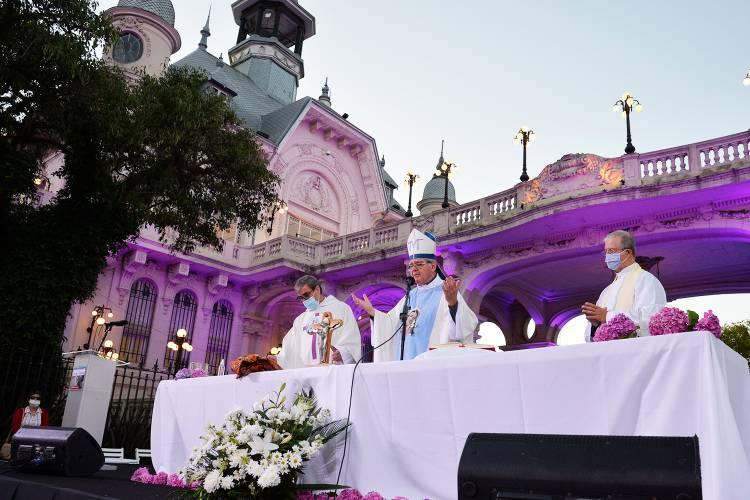 Monseñor Ojea misa en el MAT