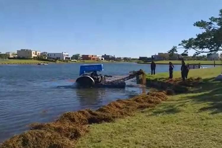 Hallaron el cuerpo del joven que ingresó con un kayak al lago artificial de un country en Escobar