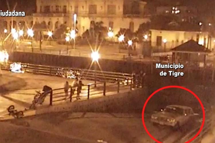 Video: Así cayó un Automóvil a las aguas del río en Tigre