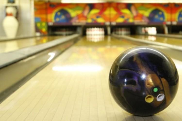 En San Isidro habilitan bowlings y pools