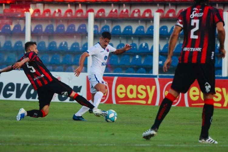 Tigre se alejó de la punta al caer con Defensores de Belgrano