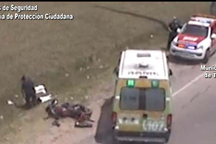Impactante choque de una moto en Tigre